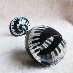 Hey, I found this really awesome Etsy listing at https://www.etsy.com/listing/105783205/piano-wine-glass