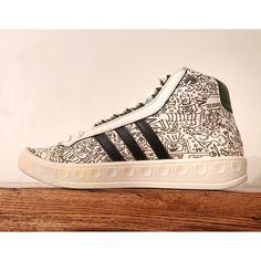 best service ffafd ef737 Adidas Shoes   Adidas Adicolor X Jeremy Scott For Keith Haring   Color   White   Size  9