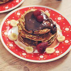 """""""Bom dia com panquecas americanas bem gorduchas!! A receita (com vídeo!)está lá no blog/canal ❤️ #torradatorrada #pancakes"""""""
