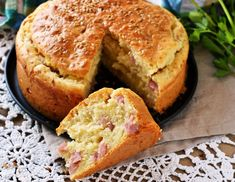 You really make this savory cake faster than lettuce –.- You& really make this savory cake faster than lettuce – just mix everything, bake a baking tin and in half an hour you have an excellent savory treat or a great bread replacement. No Salt Recipes, Cooking Recipes, Best Italian Recipes, Favorite Recipes, Happy Foods, Baking Tins, Savoury Cake, Quiches, Food Styling