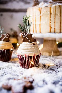 Gingerbread Cake with Caramel Cream Cheese Buttercream. Half Baked Harvest, Gingerbread Cake {Scratch} with Spiced Cream Cheese Frosting M. Gingerbread Cupcakes, Christmas Cupcakes, Christmas Desserts, Christmas Treats, Gingerbread Men, Christmas Gingerbread, Thanksgiving Cupcakes, Holiday Cakes, Mini Desserts