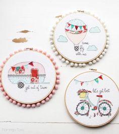 Aquí encotrarás tres preciosos modelos de bordado usando retales: una bicicleta con las cesta llena de flores, una carravana o un globo aerostático.