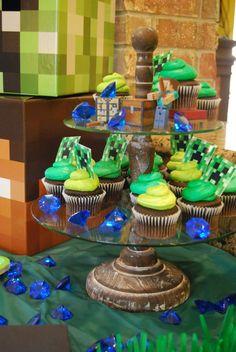 Momfessionals: Luke's Minecraft Birthday Party
