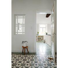 Zementmosaikplatte aus der Oldenburger Region, Norddeutschland. Wunderschönes geometrisches Muster: 51060/141 #zementplatte #mosaik #mosaic #tile #fliese #beautiful #geometry #geometrie viaplatten.de