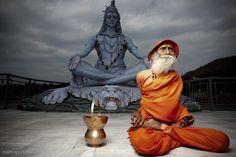swami yoga nanda , now 105 yrs. old doing Yoga Yoga Dance, My Yoga, Kundalini Yoga, Yoga Meditation, Yoga Inspiration, Acupuncture For Anxiety, Become A Yoga Instructor, Yoga Posen, Rishikesh