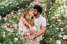 Couple Picture Poses, Couple Shoot, Couple Pictures, Autumn Photography, Video Photography, Couple Photography, Pre Wedding Photography, Pre Wedding Poses, Wedding Photos