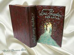 Duska's Decoupage Saga Vintage Box Vintage Box, World Best Photos, Happily Ever After, Saga, Decoupage, Cool Photos, Book Boxes, Arts And Crafts, Mindfulness