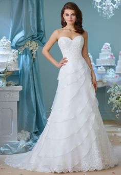 Enchanting Fall 2016 | https://www.theknot.com/content/enchanting-wedding-dresses-bridal-fashion-week-fall-2016