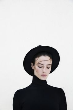 all black // hat // fall fashion