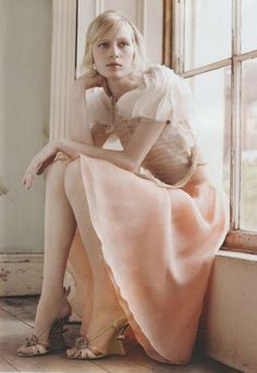 bienenkiste:  Julia Nobis by Luke Irons for Harper's Bazaar Australia May 2012