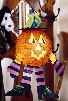 Pumpkin pinata (DIY instructions)