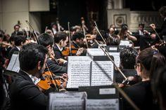 Concierto 8: García / Tchaikovsky  ORQUESTA FILARMÓNICA DE SANTIAGO Director musical: Konstantin Chudovsky Foto de Patricio Melo