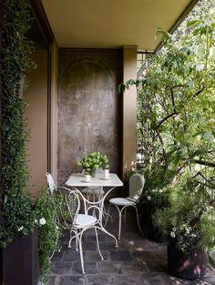 Terrace by Studio Peregalli. photo Simon Upton for ELLE DECOR