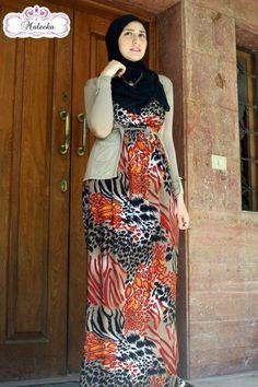 maxi hijab dress  Maxi printed dresses by maleeka http://www.justtrendygirls.com/maxi-printed-dresses-by-maleeka/