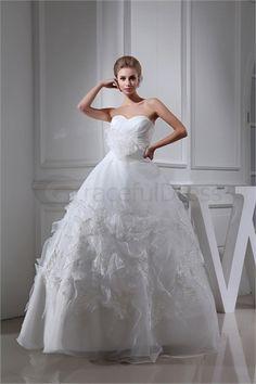 Robe de mariée princesse en Satin A-ligne Col en cœur http://fr.GracefulDress.com/Robe-de-mariée-princesse-en-Satin-A-ligne-Col-en-cœur-p20230.html