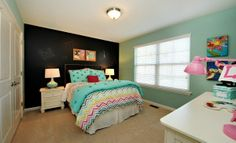 tween girl bedrooms with chalkboard paint   Chalkboard paint accent wall!