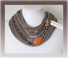 stones and surroundings: necklaces tape