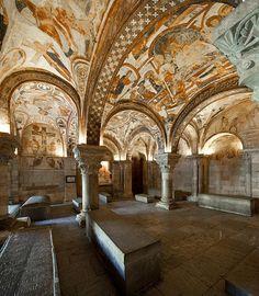 Romanesque Art. El Panteón Real, los claustros y el Museo de la Colegiata de san Isidoro de León, Spain
