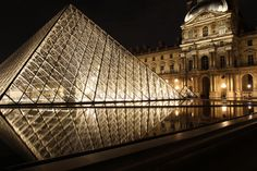 Pyramide du Louvre by night