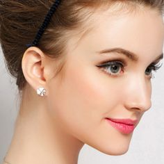 http://gemdivine.com/ms-aestheticism-upscale-fashion-jewelry-silver-stud-earrings-lucky-clover-flower-earrings-minimalist-and-lovely/