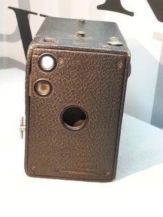 Vintage Kodak Brownie 2A box camera FREE SHIPPING by BITCHiNbuys on Etsy