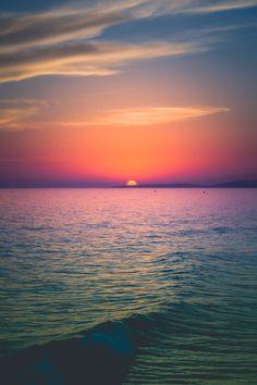 by Pedro Gabriel Beautiful Nature Wallpaper, Beautiful Landscapes, Nature Pictures, Beautiful Pictures, Paradis Tropical, Ocean Wallpaper, Amazing Sunsets, Beautiful Sunrise, Sky And Clouds