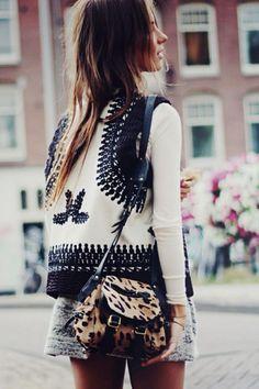 Knit vest. Coachella and festival outfit inspiration. Fashion Trends. Spring Season. Animal print shoulder bag.