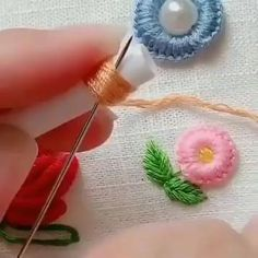 Check out the easiest way how to make colorful flower embroidery by hand. Learn shortcuts to make different beautiful embroidery flowers. Hand Embroidery Videos, Hand Embroidery Flowers, Embroidery Stitches Tutorial, Flower Embroidery Designs, Machine Embroidery Projects, Silk Ribbon Embroidery, Diy Embroidery, Embroidered Flowers, Diy Embroidered Pillow