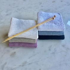 Instructions for the best dishcloths and a giveaway - Knitting for beginners,Knitting patterns,Knitting projects,Knitting cowl,Knitting blanket Beginner Knitting Projects, Knitting For Beginners, Loom Knitting, Free Knitting, Knitting Patterns, Diy Mode, Crochet Amigurumi, Knit Crochet, Chunky Yarn
