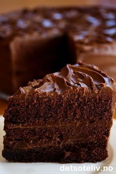 Just had the Black Tie Mousse Cake at Olive Garden for the first time. Baking Recipes, Cake Recipes, Dessert Recipes, Desserts, Chocolate Fudge Cake, Dark Chocolate Cakes, Unsweetened Chocolate, Sweets Cake, Baking And Pastry