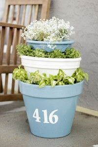 Show off your home with this DIY Whimsical Potted House Number! - You'll need: 3 terracotta pots, stenciled numbers, paint, plants, and soil! Diy Garden Projects, Outdoor Projects, Outdoor Pots, Outdoor Gardens, Diy Flowers, Flower Pots, Plastic Pots, Small Space Gardening, House Numbers