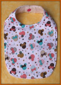 Bavoir en tissu coton motif têtes tissu éponge : Mode Bébé par orkan28
