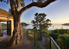 Beach Villa 1 - Waiheke Unlimited Sleep 7, 3 bedrooms, 2 bathrooms (linen and cleaning included) $485 - $600 per night