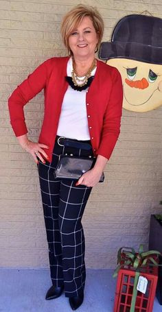 87 best casual work outfits for women over 50 fashion fashio Fall Fashion Trends, 50 Fashion, Look Fashion, Trendy Fashion, Fashion Outfits, Fashion Clothes, Fashion Spring, Fashion Brands, Jeans Fashion
