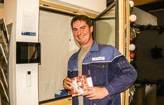 Bis zum 24. Dezember darf jeder Mitarbeiter von Fenster-Schmidinger aus Oberösterreich,  ein Advent-Fenster öffnen und sich über eine kleine Überraschung freuen. Infos auch auf unserer Website www.fenster-schmidinger.at