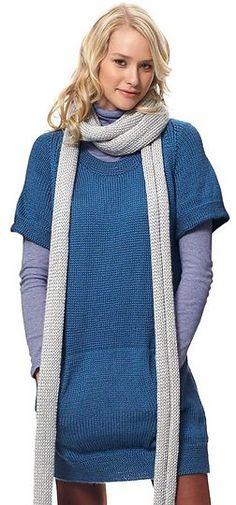 Skøn kjole med dejlige lommer og et langt tørklæde (som kan udelades). Den er ikke svær, men kræver tid. Her i akryl, men uld kan bruges. Pinde 4½ og 5. Læs mere ...
