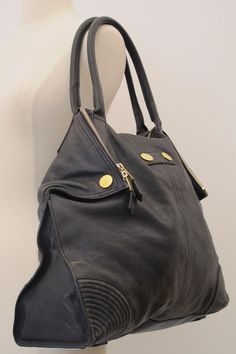 Authentic Alexander McQueen Gold Black Leather Shoulder Bag Size Large  aa9f83701296c