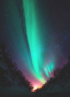Aurora Borealis Wallpaper for Samsung Galaxy Beautiful World, Beautiful Places, Beautiful Pictures, Tromso, Aurora Borealis, You Are My Moon, Lappland, To Infinity And Beyond, Amazing Nature