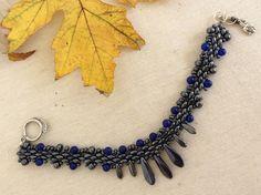 Brazaletes - 83.2 NADIN ( Lapislázuli y cristal ) - hecho a mano por DelikaElite en DaWanda