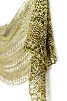 Ravelry: Parasol shawl knitting pattern by Janina Kallio in Malabrigo Sock.