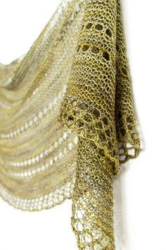 Parasol shawl knitting pattern by Janina Kallio.