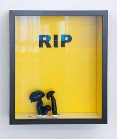 Eckart Hahn, RIP, 2010, Polyurethan/ Epoxyd/ Lack, 32 x 27 cm