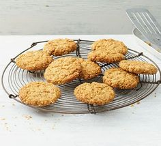 Bake a batch of delicious oat cookies for a quick snack or afternoon tea treat. Choose from simple oat biscuits or variations with fruit, nuts and spices. Oats Recipes, Bbc Good Food Recipes, Drink Recipes, Sweet Recipes, Cookie Recipes, Sin Gluten, Oat Biscuit Recipe, Blueberry Loaf Cakes, Chocolate Cherry Cookies
