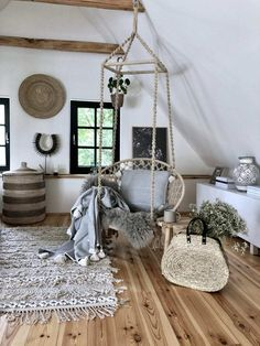 Byla jednou jedna chaloupka… – Iconioo.cz Weekend House, Attic Rooms, Cottage Interiors, House In The Woods, Hanging Chair, Home And Living, Kitchen Design, Sweet Home, New Homes
