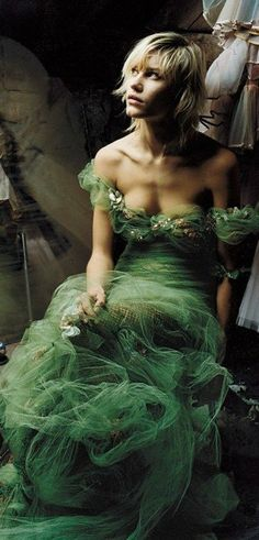 Fashion Photography ~ April 2002 Delfine Barfort wore a Jean Paul Gaultier gown in this April 2002 Vogue shoot, photographed by Corinne Day. Photo By Corinne Day Jean Paul Gaultier, Mode Chic, Foto Art, Dior Couture, Green Fashion, Mode Inspiration, Beautiful Gowns, Belle Photo, Shades Of Green