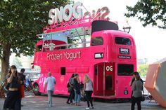 Snog, a Frozen Yogurt Food Truck Bus Restaurant, Food Truck Business, Food Vans, California Food, Meals On Wheels, Container Shop, Ice Cream Van, Food Truck Design, Coffee Truck