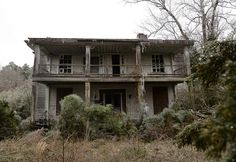 These 15 Creepy Houses In North Carolina Could Be Haunted