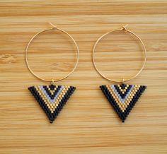 Créoles, Boucles cléoles plaqué or triangle perles Miyuki est une création orginale de ccedille_bijoux sur DaWanda