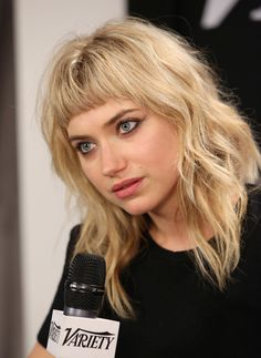 More Pics of Imogen Poots Medium Wavy Cut with Bangs Fringe Hairstyles, Hairstyles With Bangs, Pretty Hairstyles, Hair Day, Short Bangs, Bangs With Medium Hair, Blunt Bangs, Her Hair, Hair And Nails