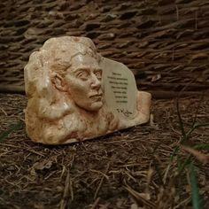 Minibüst Edebiyatçılar Serisi Franz Kafka  Sipariş için 05072527536 veya 05057792027 arayabilirsiniz. Dm den mesaj atabilirsiniz  İnternet satış adresi  https://www.vitrinova.com/v/yutt-sanat  #minibüst #art #heykel #yuttsanatatölyesi #yuttsanat #edebiyat #hediyelik #hediye #yaseminyılmazbezci #sanat #sculpture #thesculpture #yuttsanattasarım #tasarım #büst #sculptor #heykeltraş  #franzkafka #kalemlik #franzkafkaderki #canyücel #turgutuyar #cemalsüreya #tomrisuyar #organveli #nazımhikmetran…